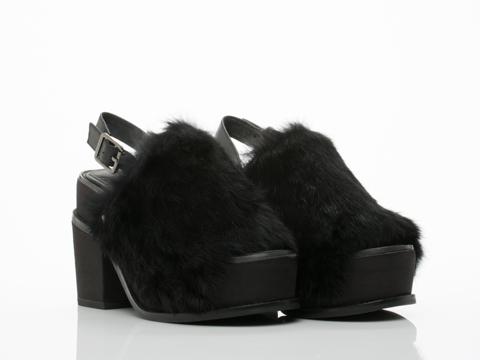 YES In Black Fur Topaz
