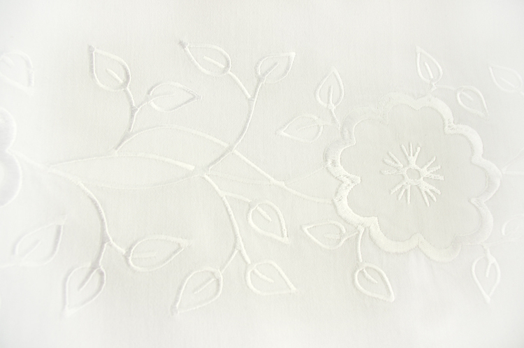 Pościel niemowlęca – ornament kwiatki i listki