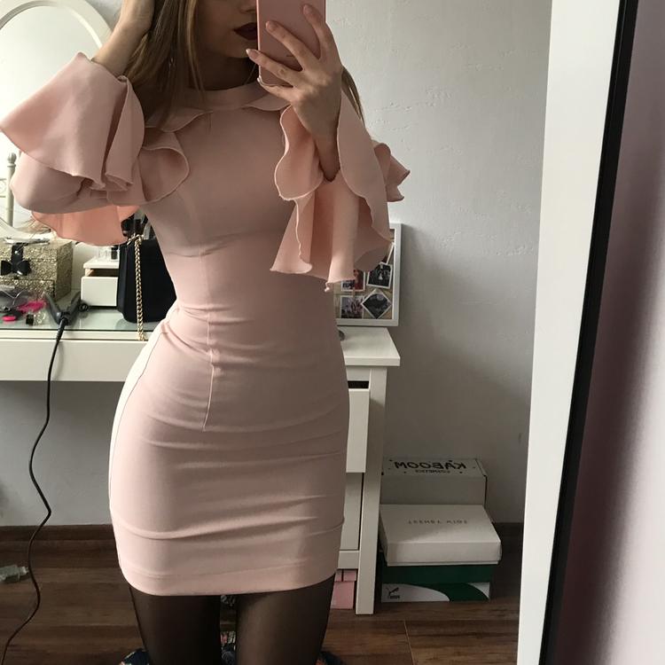 ołówkowa sukienka elegancka