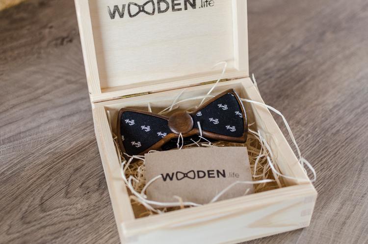 Sailor - Drewniana Mucha od Wooden.Life