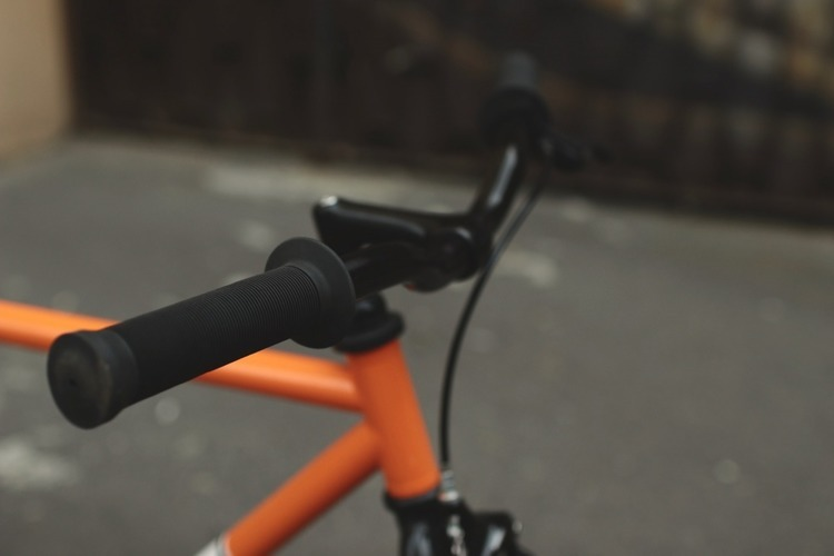 Rower single speed pomarańczowo czarny 49