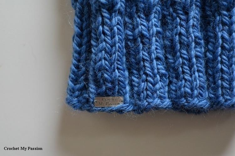 Czapka damska niebieska handmade