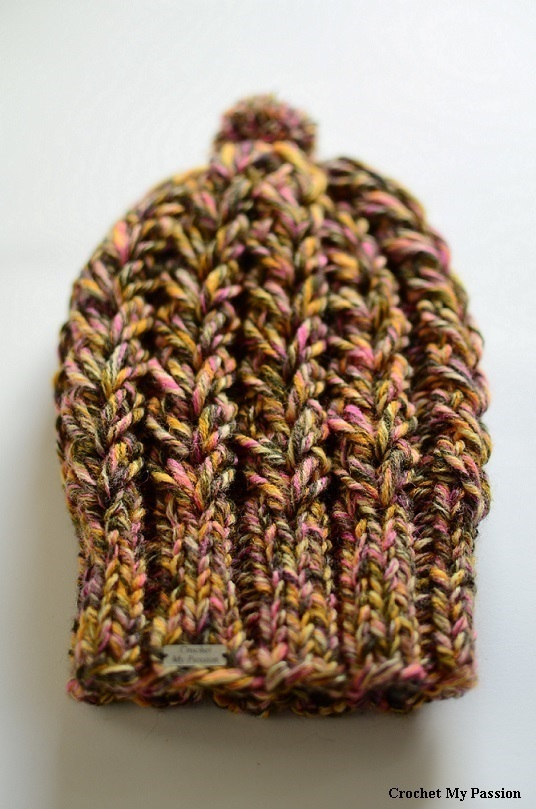 Czapka handmade z pomponem multikolor