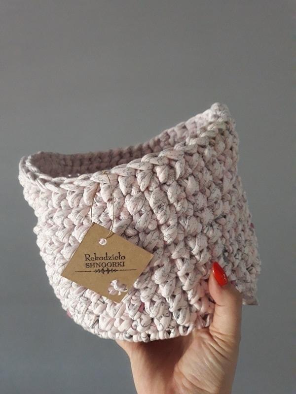 Koszyk na drobiazgi z T-shirt yarn na szydełku