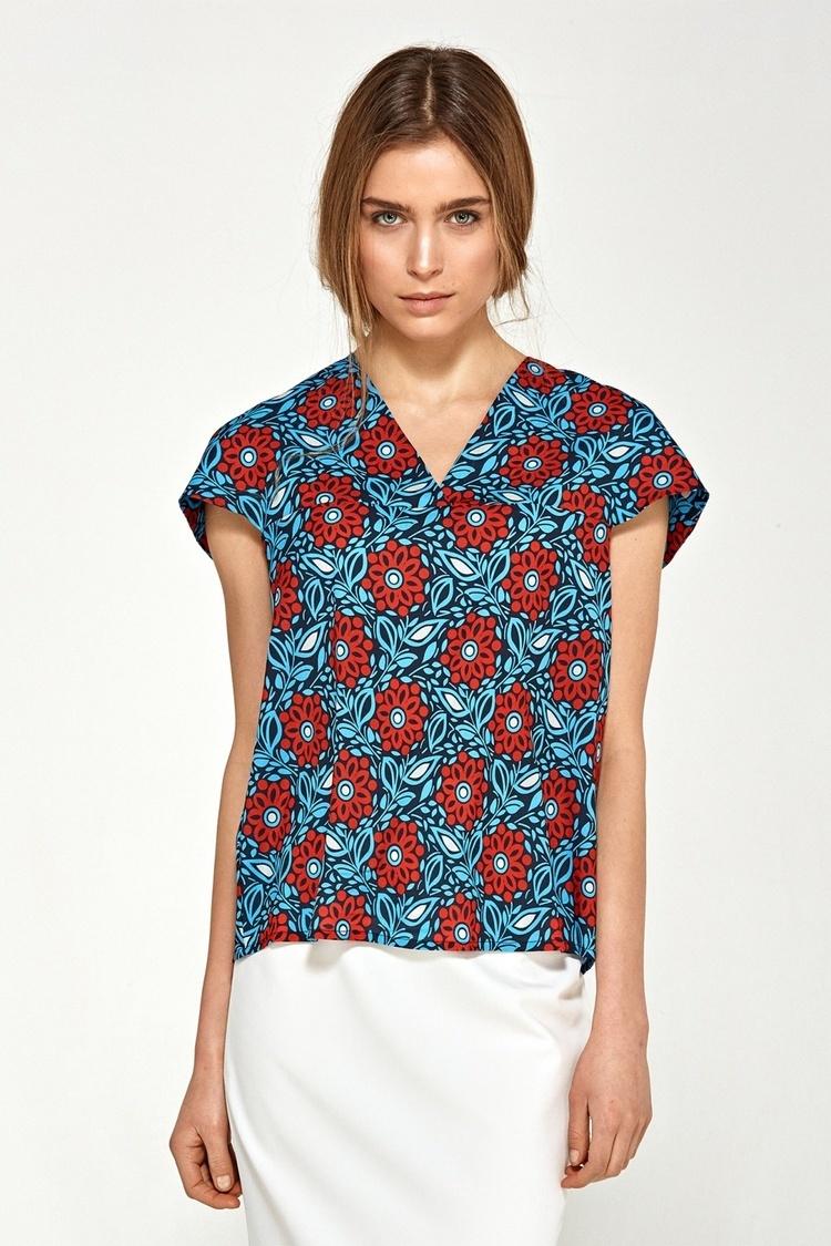 Bluzka z delikatnym dekoltem V B90 Blue/Flowers - Nife