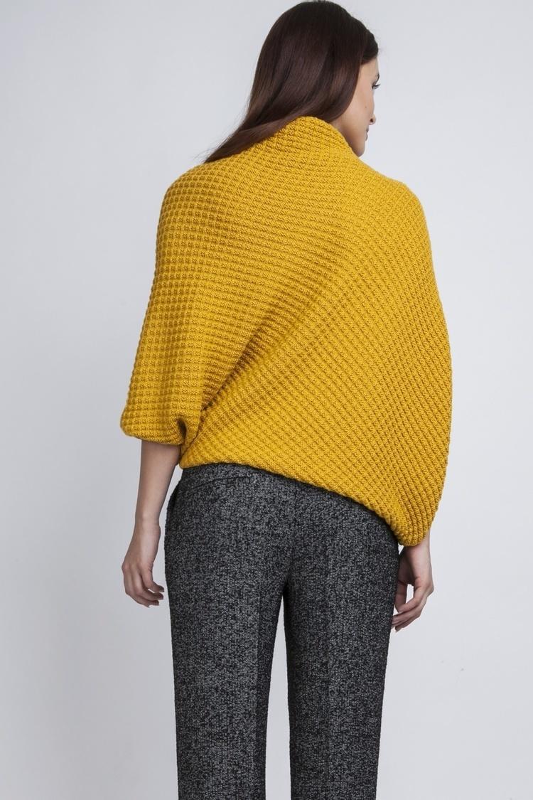 Sweter SWE049 Żółty - MKM