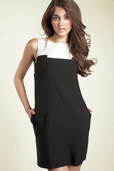 Sukienka Model S25 Black - Nife