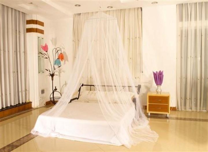 Moskitiera nad łóżko ochrona przed moskitami komarami biała