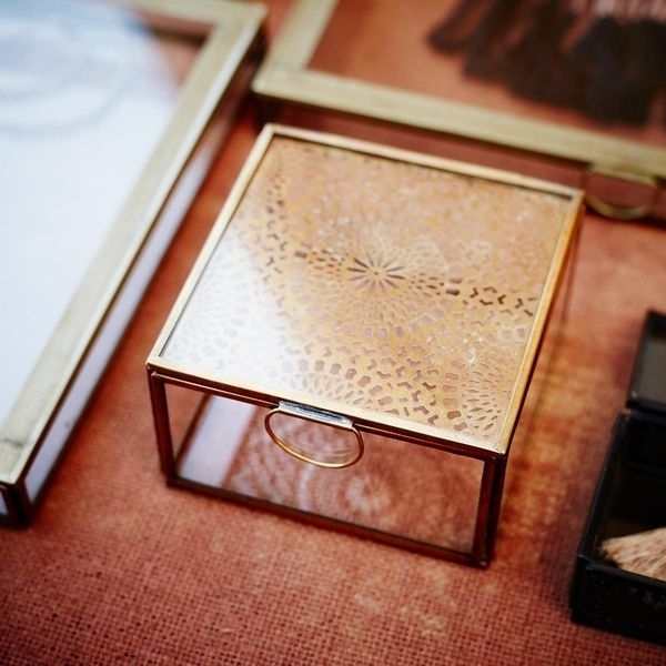 Madam Stoltz  -Szklane pudełko na biżuterię