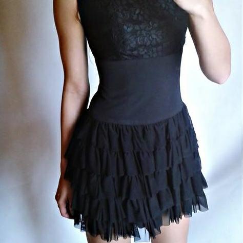 czarna sukienka wesele