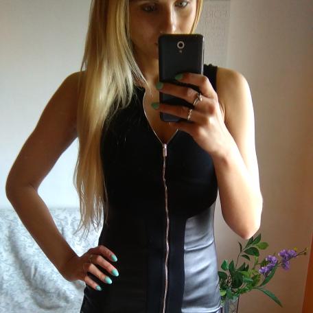 seksowna sukienka czarna zip