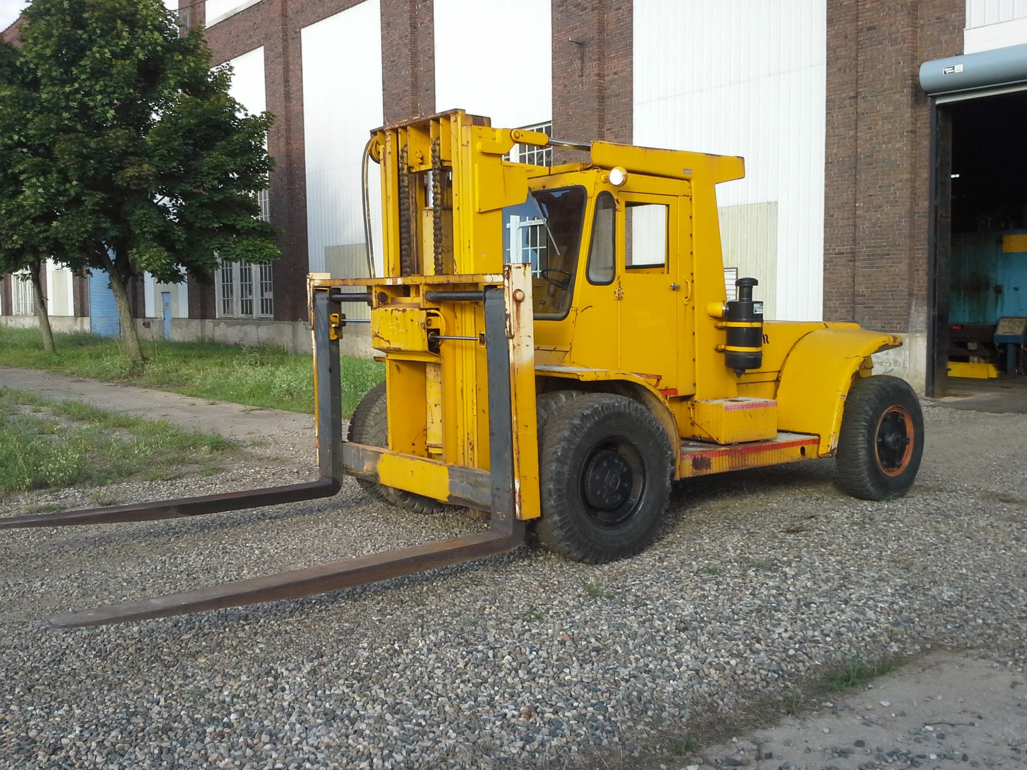 Affordable Machinery | Up To 30,000lb Forklifts | Page 5 of 9